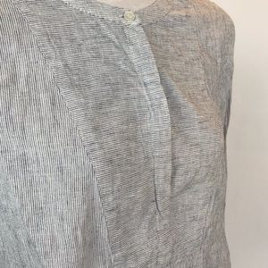 J. Crew Tops - J. Crew size M white and blue cotton tunic